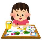 104-絵を描く女の子.jpg